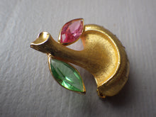 Load image into Gallery viewer, VINTAGE CORO GOLD TONE MUSHROOM BROOCH WITH RHINESTONES