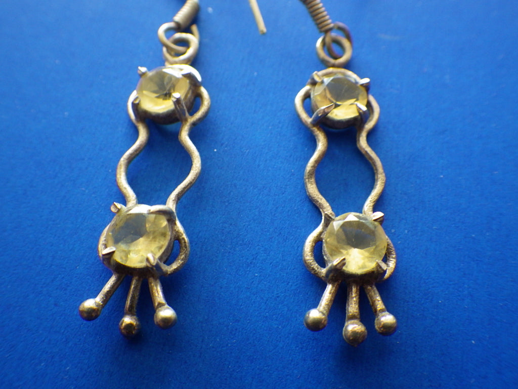 VINTAGE STERLING SILVER TRIBAL CITRINE GEMSTONE PIERCED EARRINGS