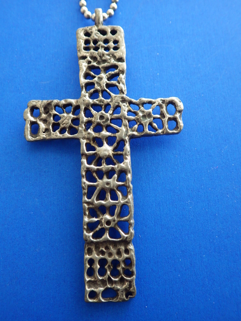 Modernist Robert Larin Sterling Cross & Chain