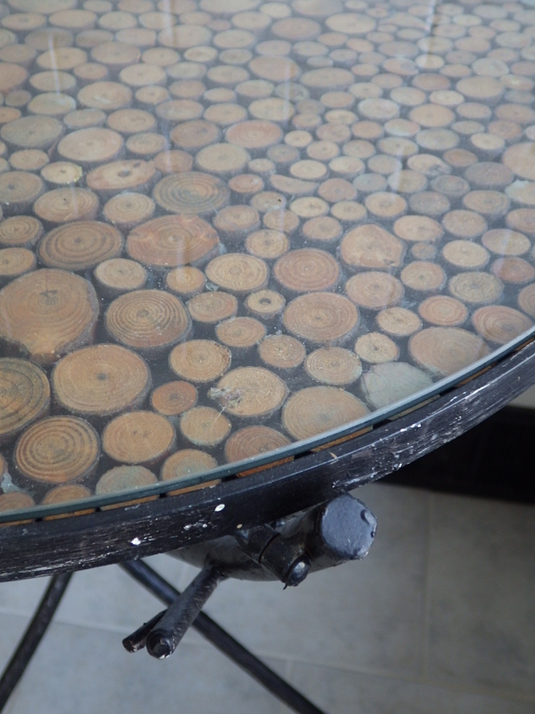 Iron Tree Trunk Wood Inlay Mosaic Accent Table