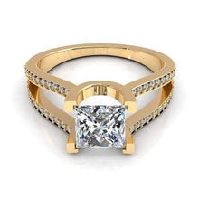 Load image into Gallery viewer, 0.85-2.00 CT Round & Princess Cut Diamonds - Engagement Ring