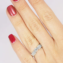 Load image into Gallery viewer, 0.70-1.85 CT Round Cut Diamonds - Engagement Ring