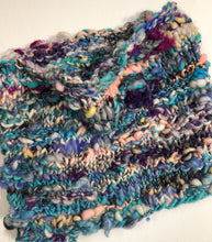 Load image into Gallery viewer, Art Yarn Hand Knit Cowl