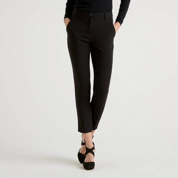 Black Trousers with Crease