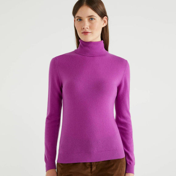 Cyclamen Turtleneck in 100% Virgin Wool