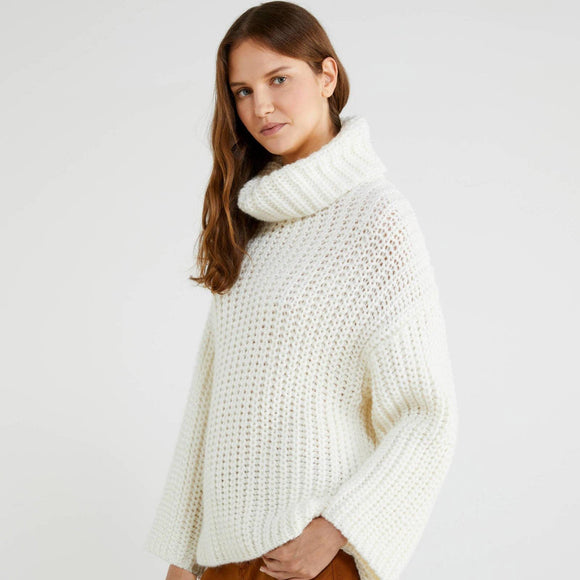 White Chunky Oversized Turtleneck