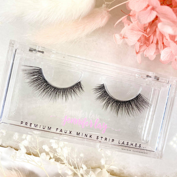 MISS UNREAL LASHES
