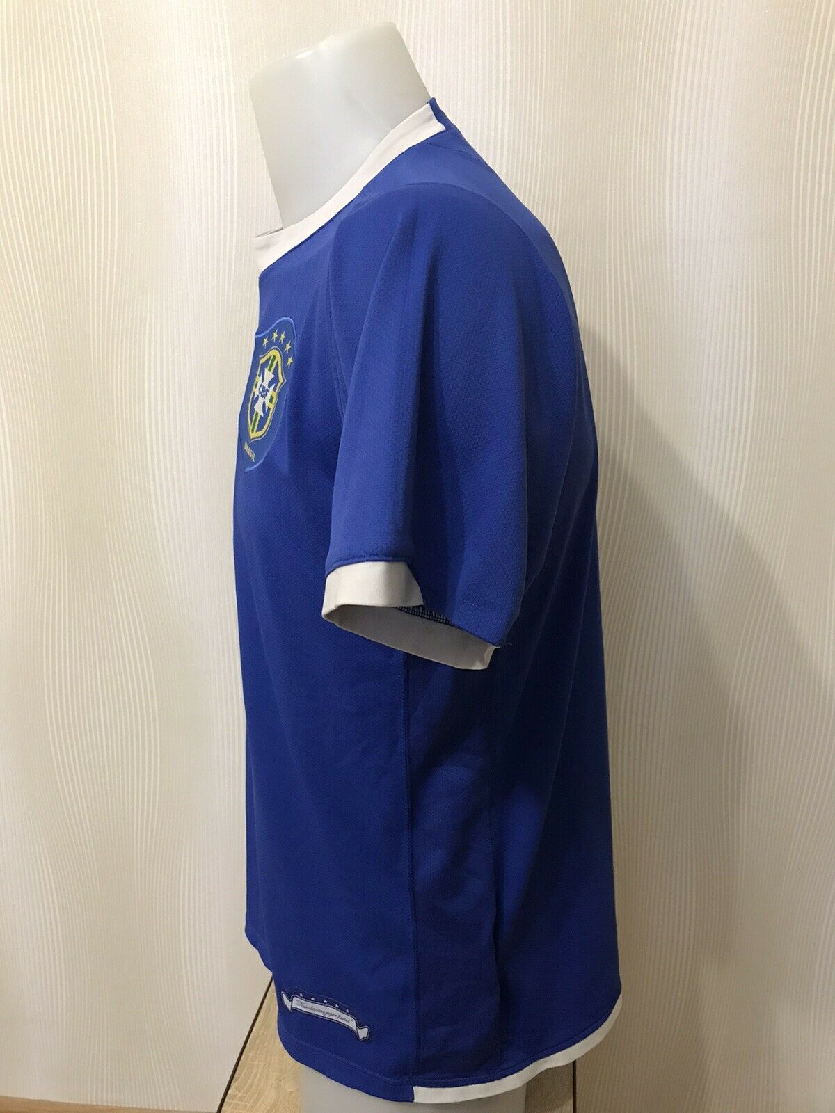 Brazil national team 2006/2007/2008 Away Size M Nike jersey