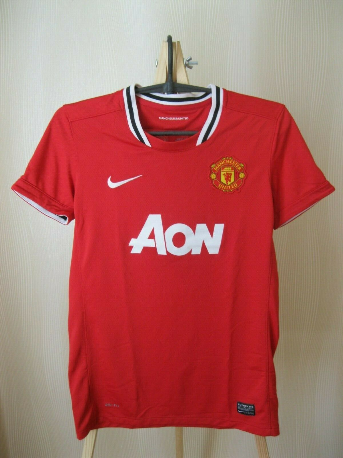 Manchester United #14 Chicharito 2011/2012 Home Size S jersey Nike 423956-623