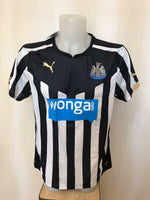 Load image into Gallery viewer, Newcastle United 2014/2015 home Size M Puma 745993 jersey