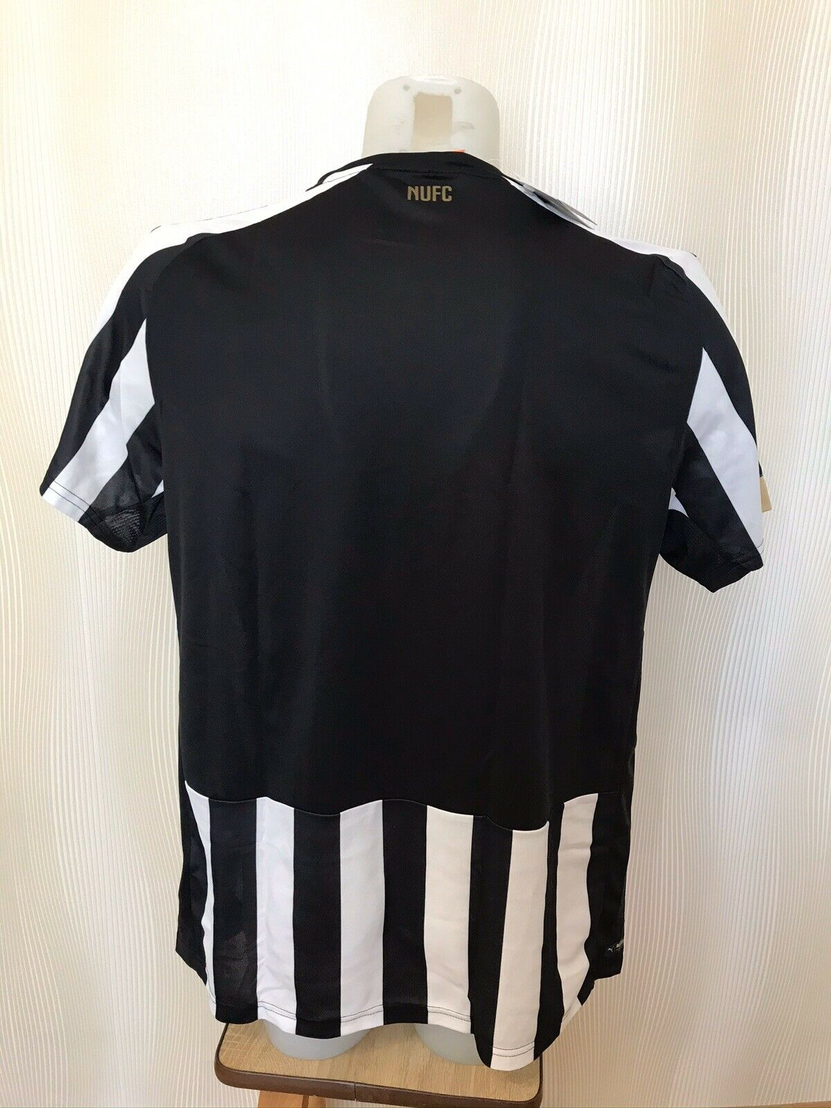 Newcastle United 2014/2015 home Size M Puma 745993 jersey