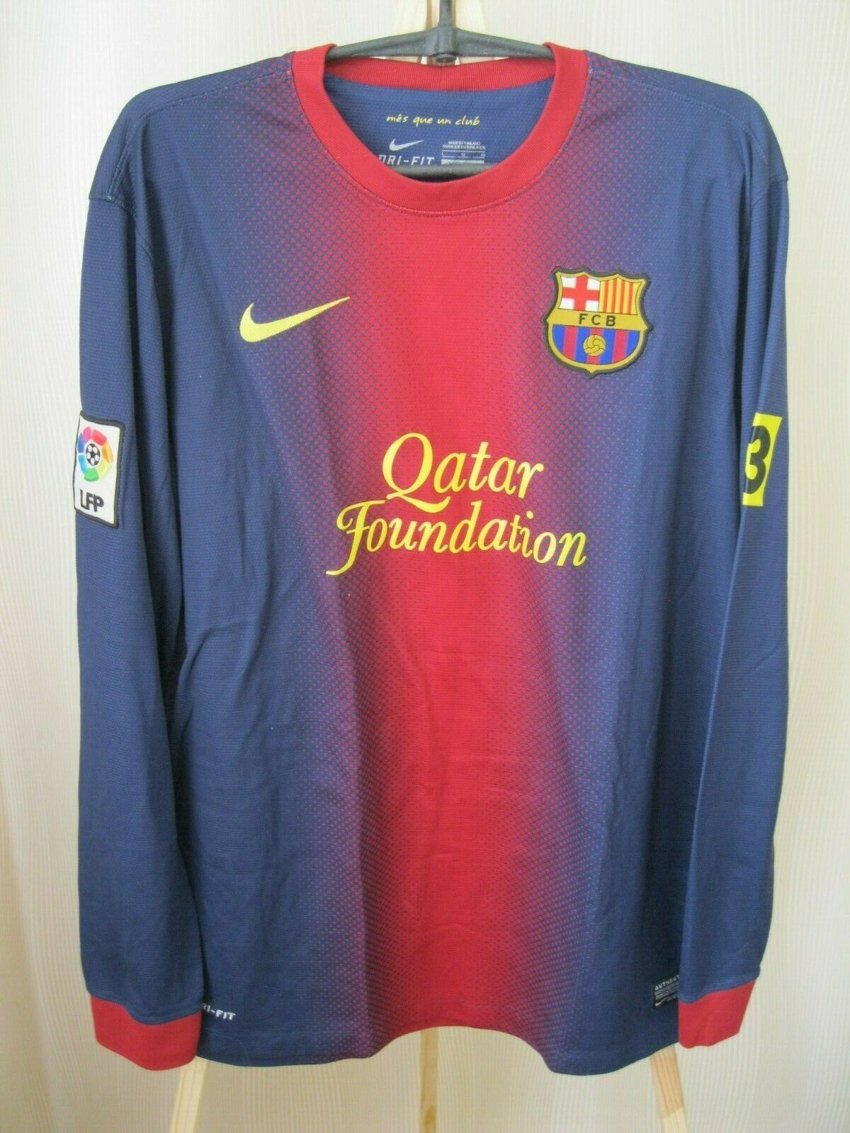 FC Barcelona 2012/2013 home Size L Nike 478324-410 jersey long sleeves
