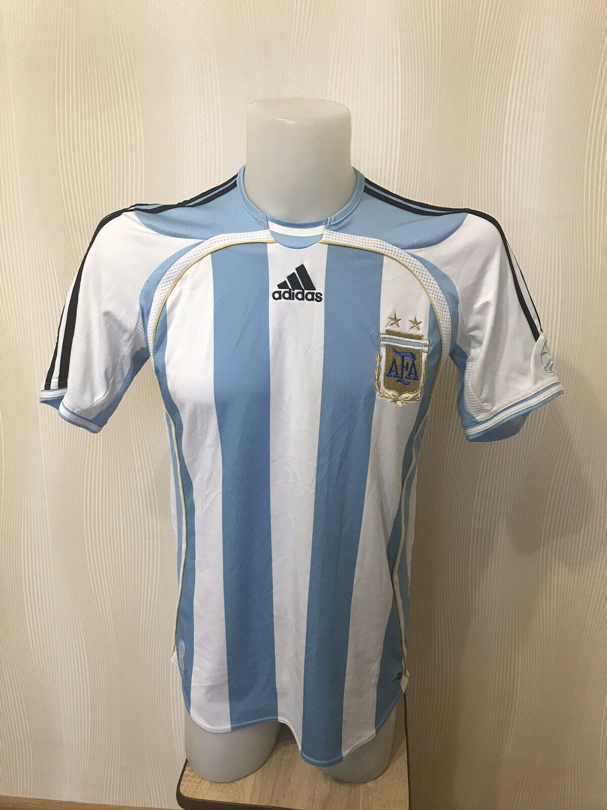 Argentina national team 2006/2007 home Size S Adidas 739802 jersey