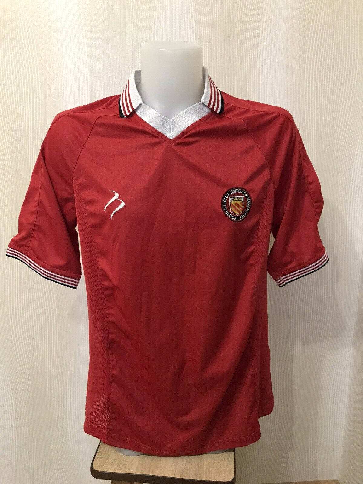 Football Club United Of Manchester Size XL jersey