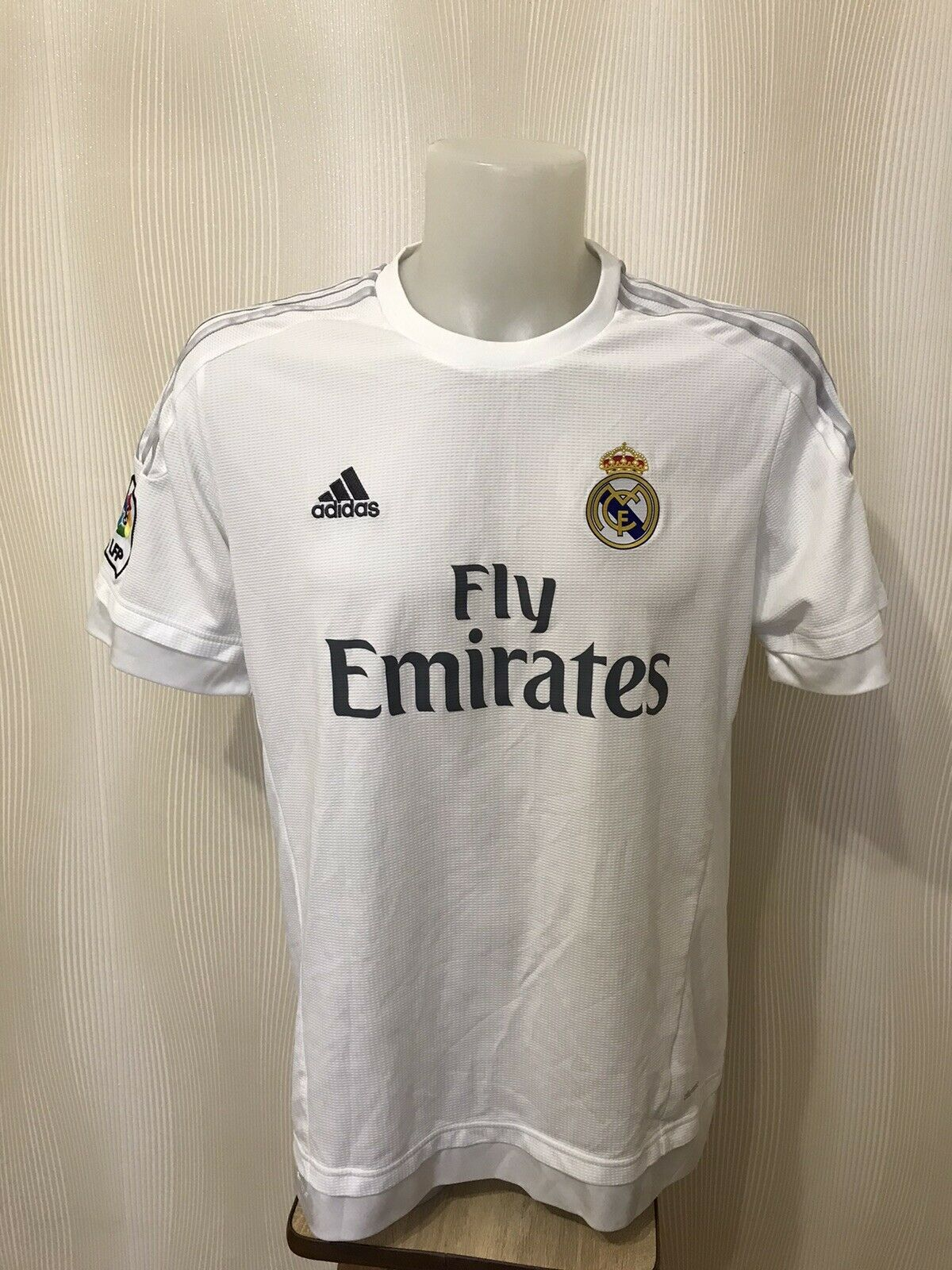 Real Madrid 2015/2016 home Size XL Adidas S12652 jersey