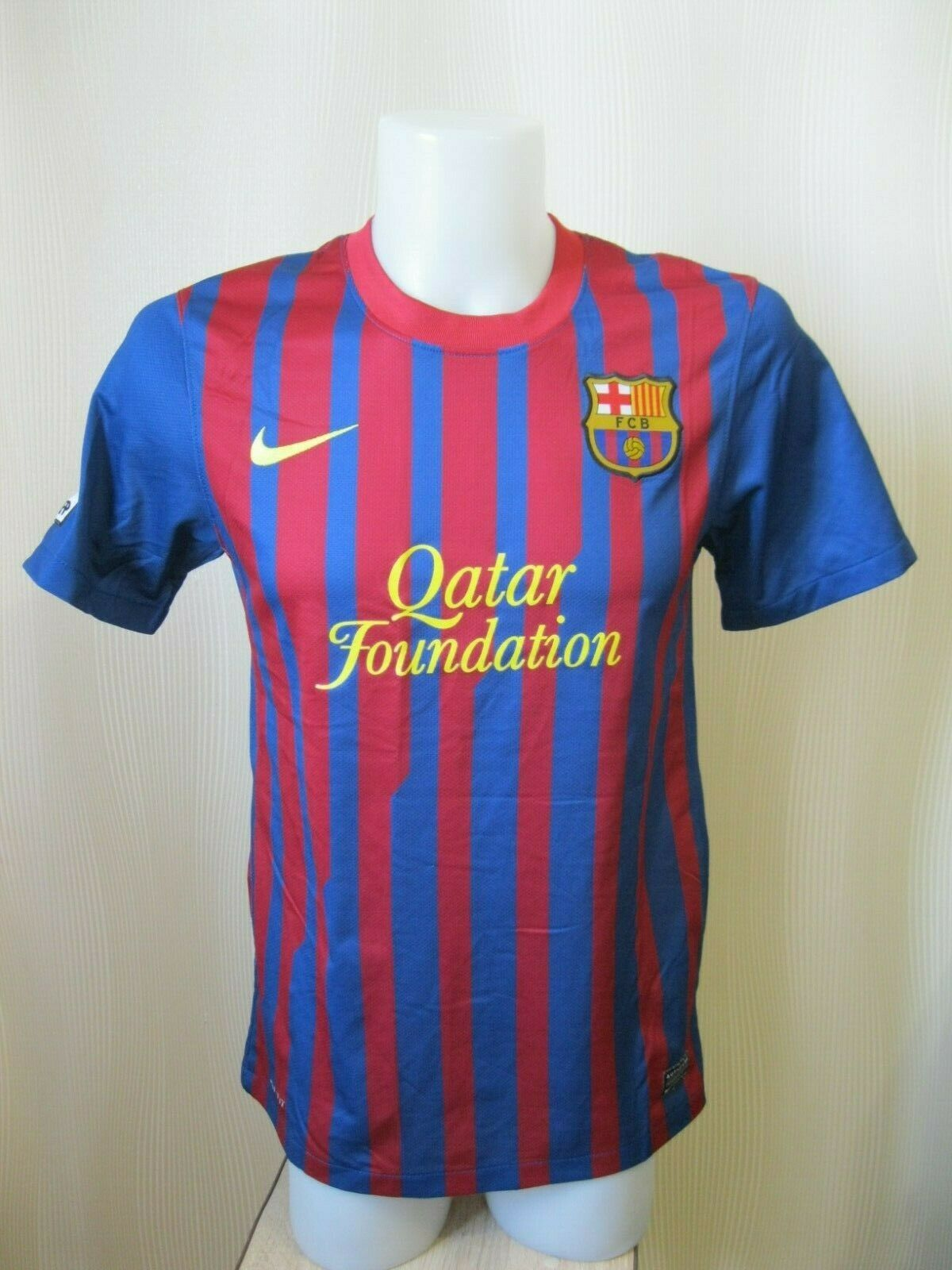 FC Barcelona 2011/2012 home Size S Nike 419877-486 jersey