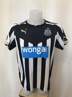 Load image into Gallery viewer, Newcastle United 2014/2015 home Size S Puma 745993 jersey