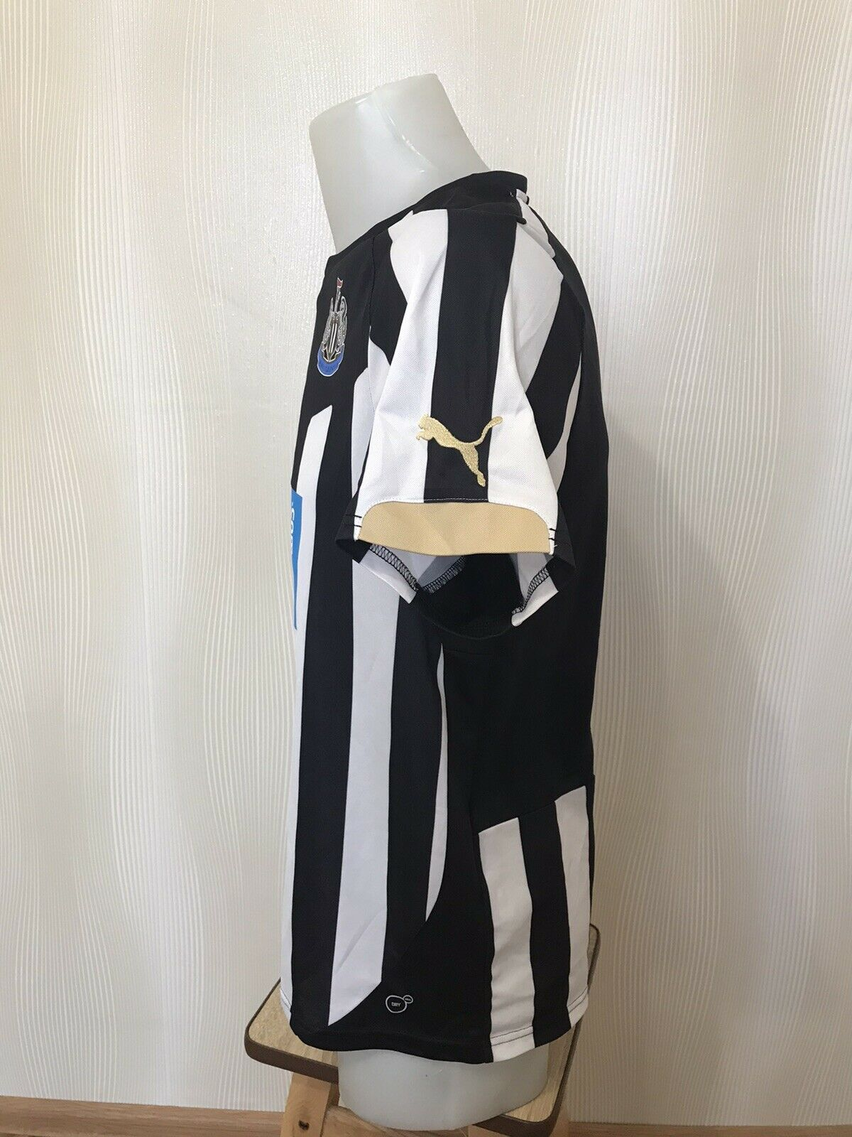 Newcastle United 2014/2015 home Size S Puma 745993 jersey
