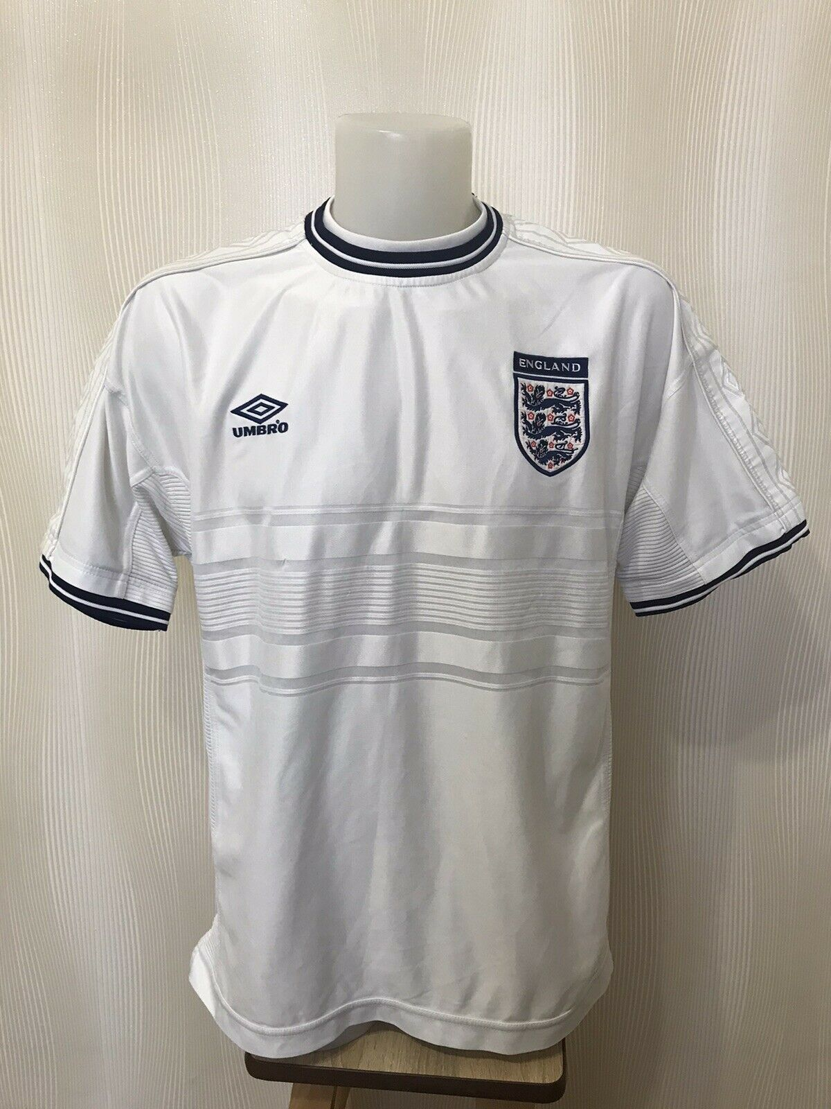 England national team 1999/2000/2001 home Size XL Umbro jersey