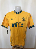 Load image into Gallery viewer, FC Celtic 2000/2001/2002 away Size L Umbro jersey