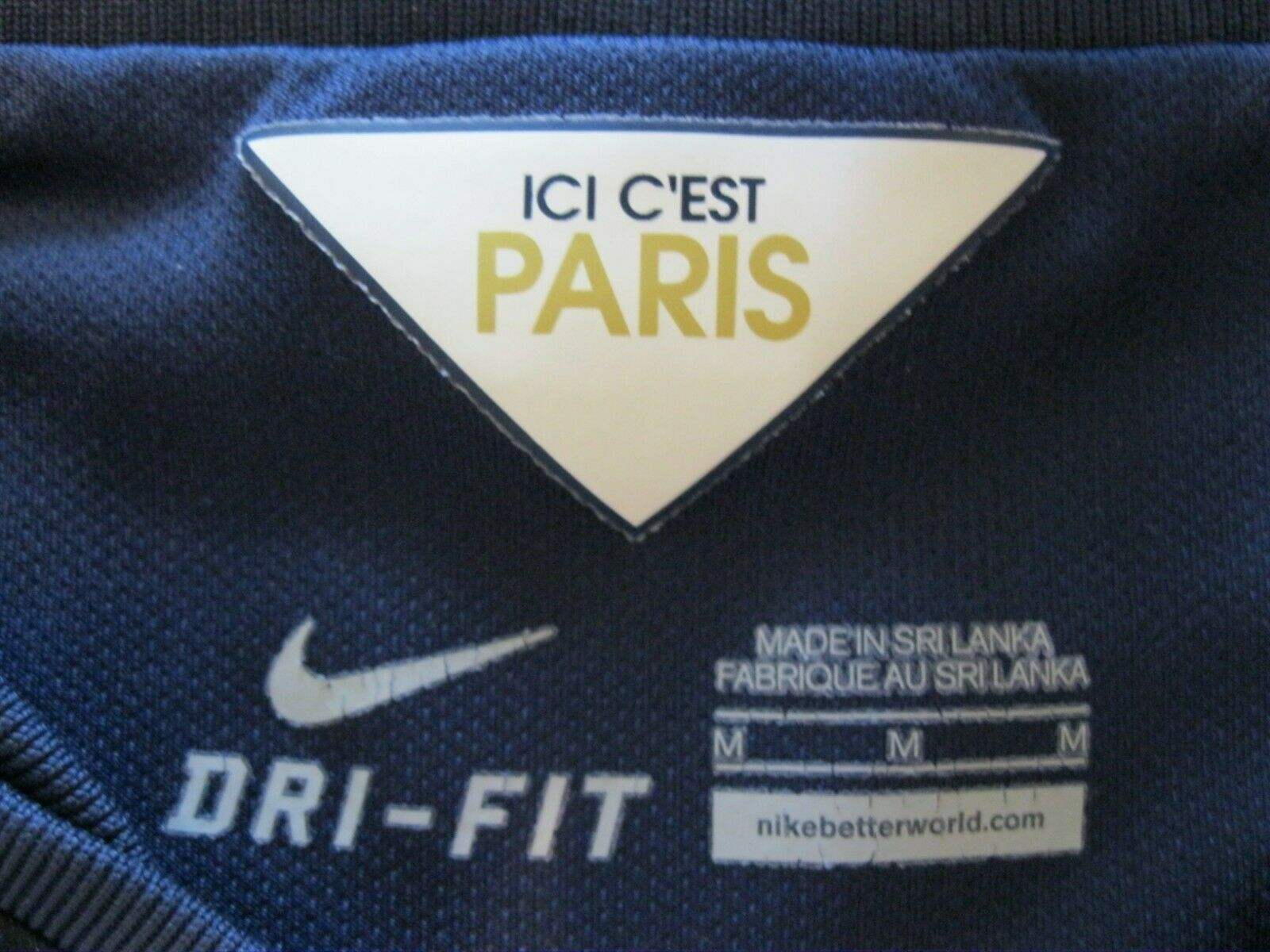 Paris Saint-Germain 2014/2015 Home Size M Nike 618757-411 jersey