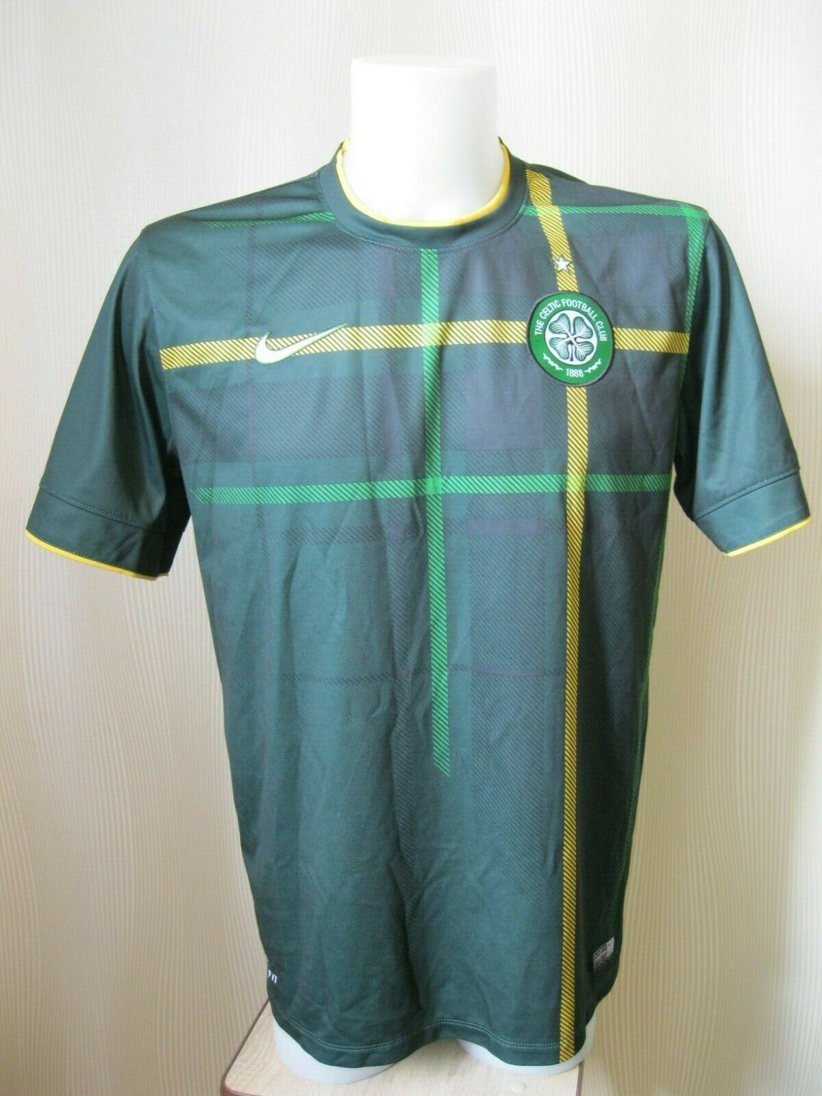 FC Celtic #12 Laura 2014/2015 Away Size L Nike 618741-397 jersey
