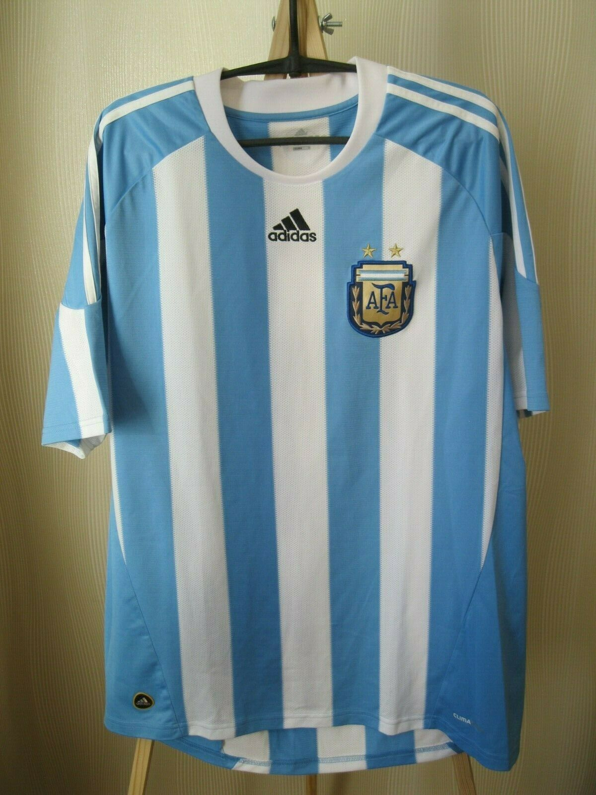 Argentina 2010/2011 home Size XL Adidas P47066 jersey