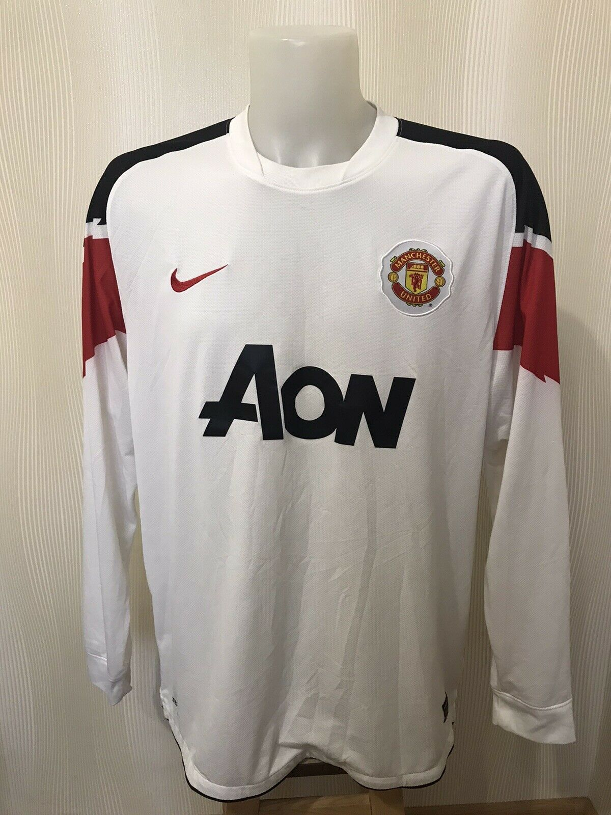 Manchester United 2010/2011 Away Size 2XL Nike 382997-105 jersey