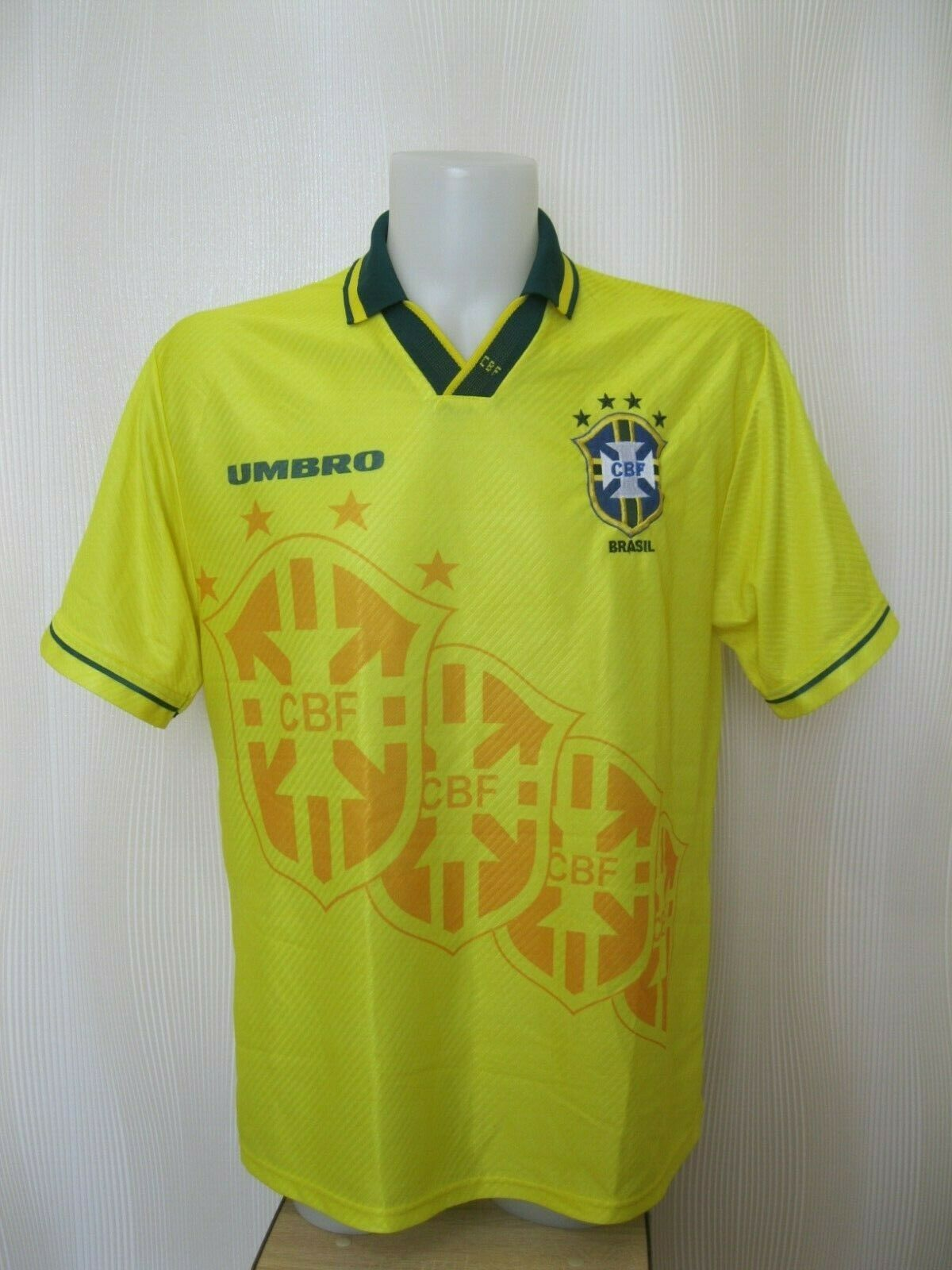 Brazil national team 1994/1995/1996 Home Size L Umbro jersey