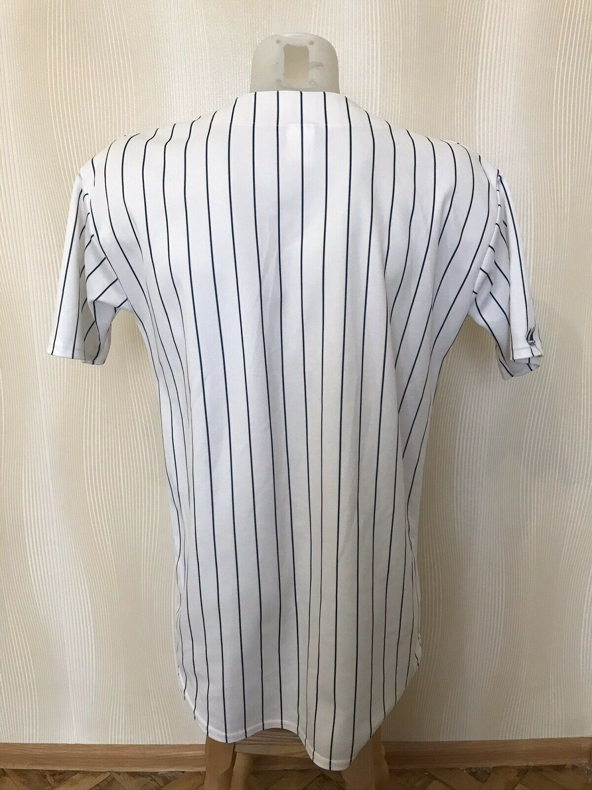 VINTAGE New York Yankees Size M Majestic jersey
