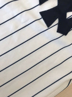 Load image into Gallery viewer, VINTAGE New York Yankees Size M Majestic jersey
