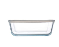 Glass Rectangular storage dish with lid 0,8L