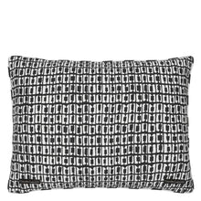 Load image into Gallery viewer, Bois Paradis Bourgeon Cushion