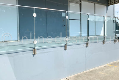 Commercial Glass Railing on the Lonestar Building in WA