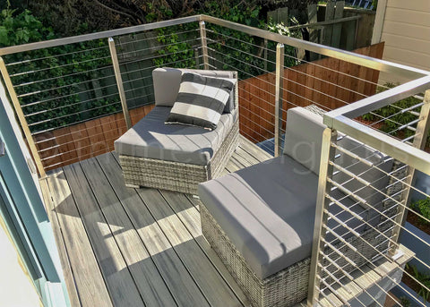 Deck Railing with Press and Latch