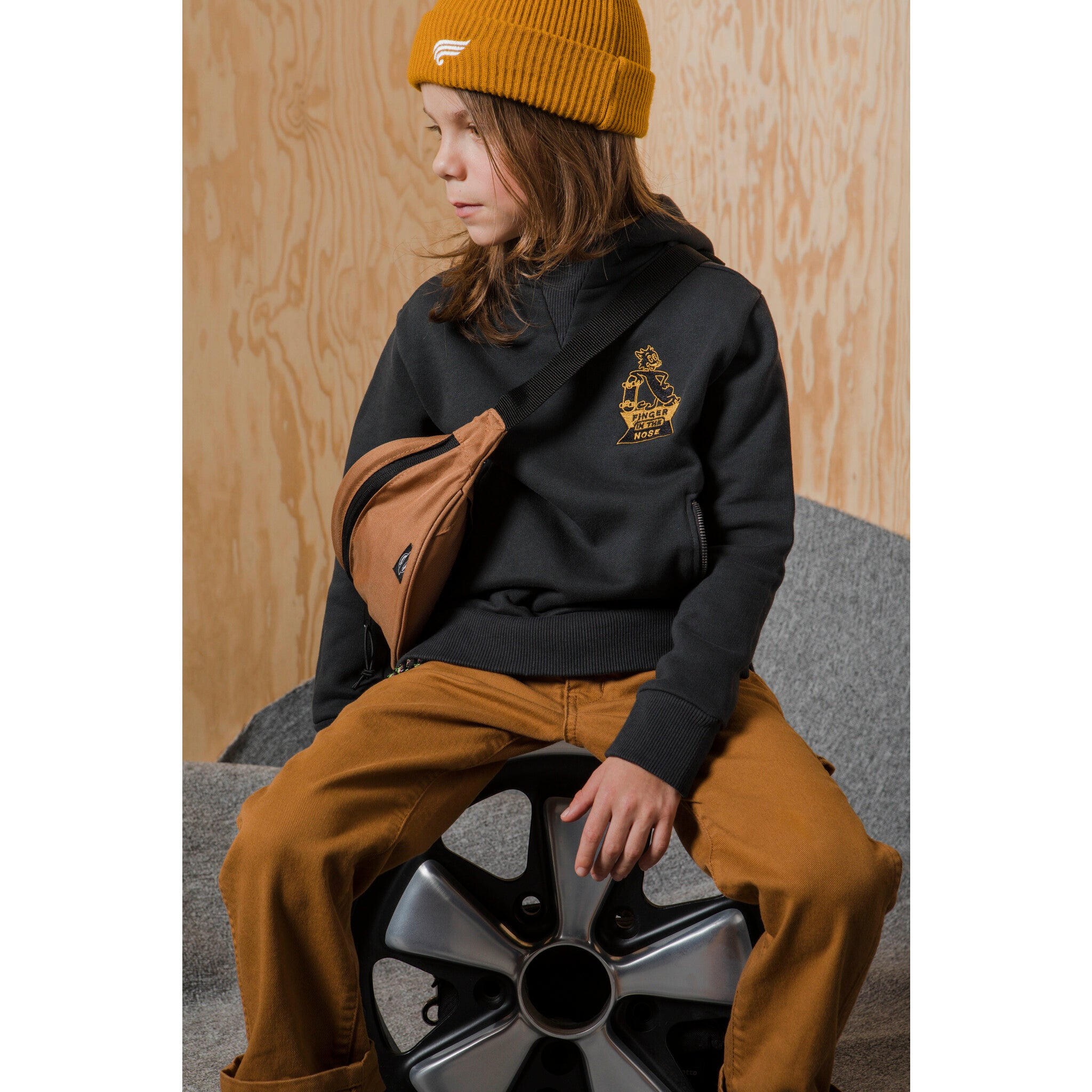 TEMPEST Ash Black Skate Cat - Hight Neck Hoodie