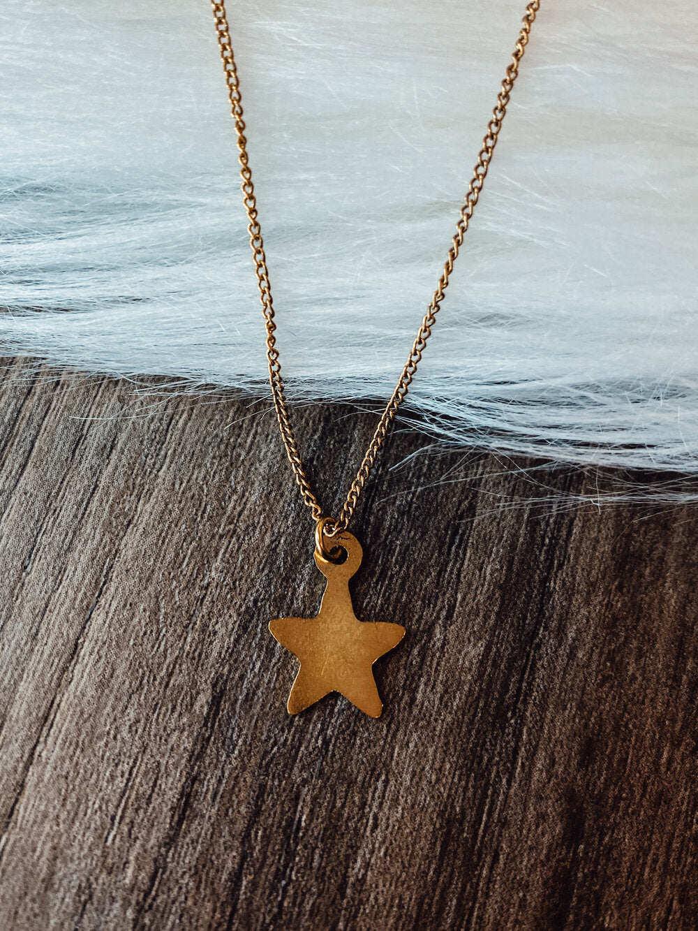 Antique Gold Star Dainty Necklace
