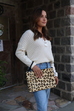 Load image into Gallery viewer, Leopard Wristlet