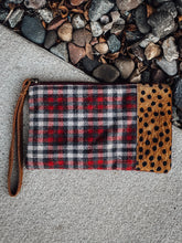 Load image into Gallery viewer, Plaid and Cheetah Wristlet