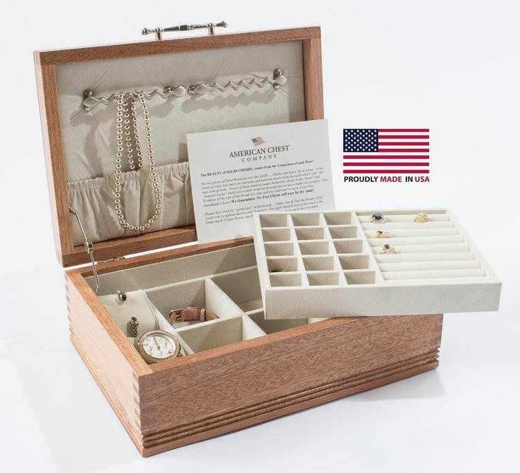 Americana Jewelry Chest w/ Lift-Out Tray