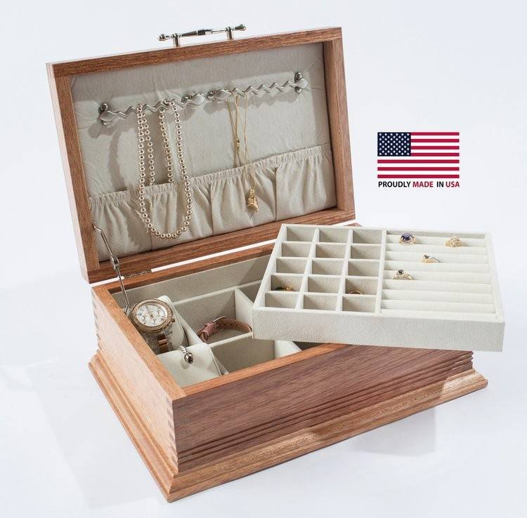 Americana Jewelry Chest w/ Lift-Out Tray & Decorative Base