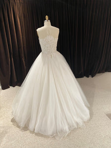 GC#32455 - Reem Acra Empire State Wedding Dress in Size 8