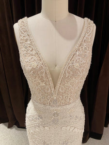 GC#911909 Lazaro 3558 Wedding Dress in Size 12
