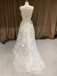 GC#911707 Elie Saab Wedding Dress in Size 10