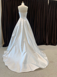 GC#32459 Reem Acra Starlight Wedding Gown in Size 8