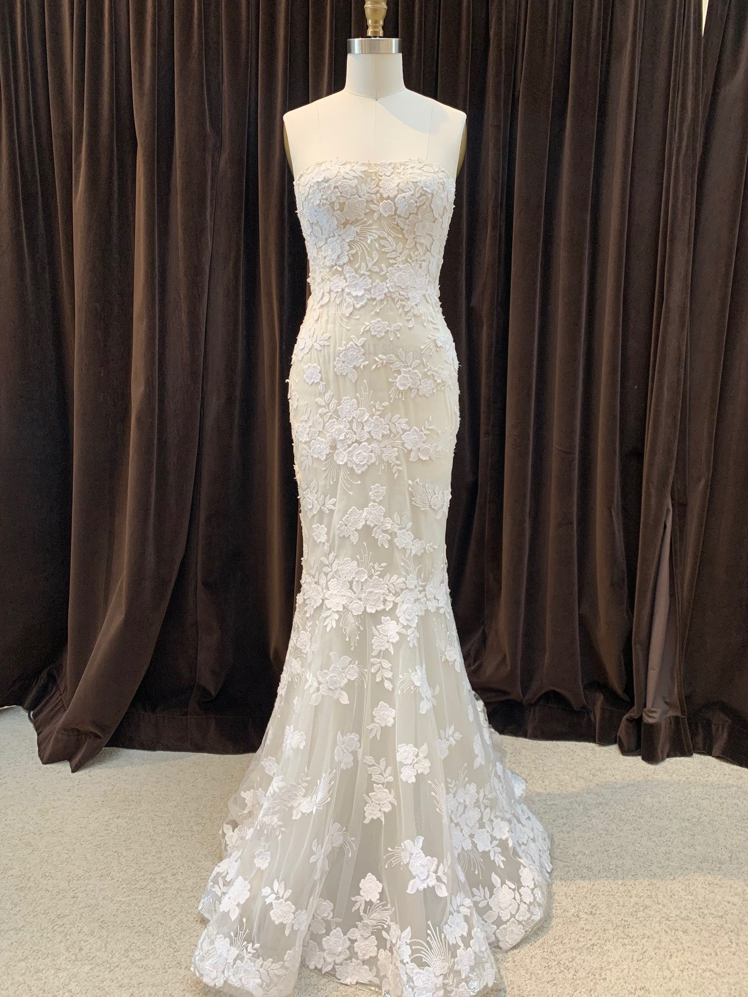 GC#32461 - Mira Zwillinger Fiarra Wedding Gown in Size 8