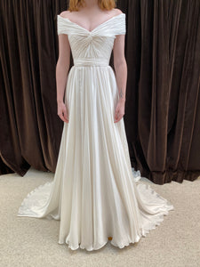 GC#30764 Reem Acra Silver Lining Wedding Gown in Size 2