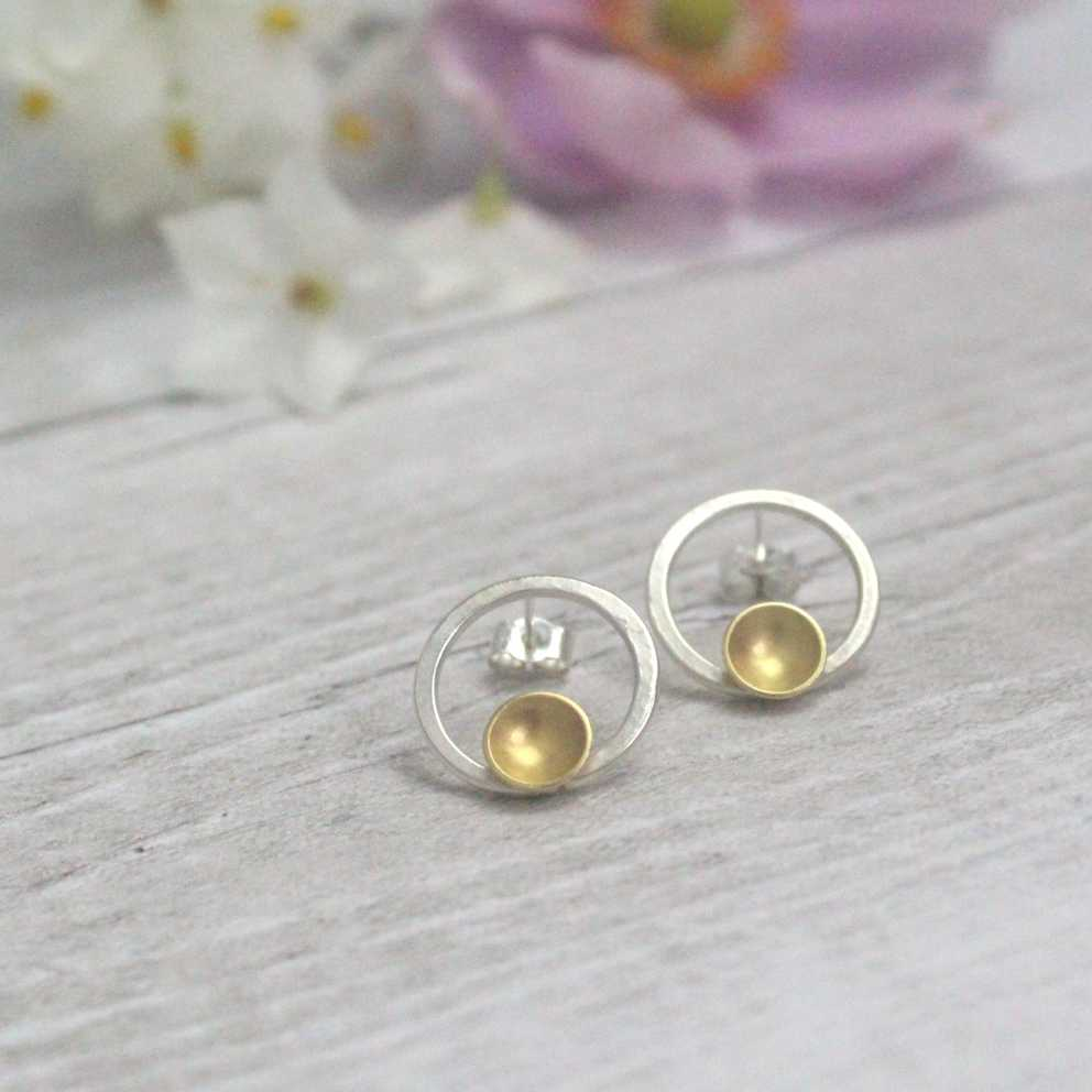 Halo Front Facing Hoop Studs - Gold