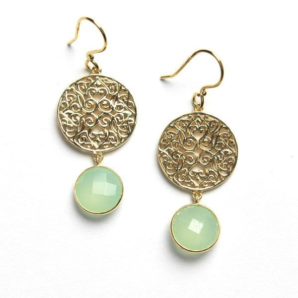 Southern Gates: Gold-plated filigree earring with green chalcedony