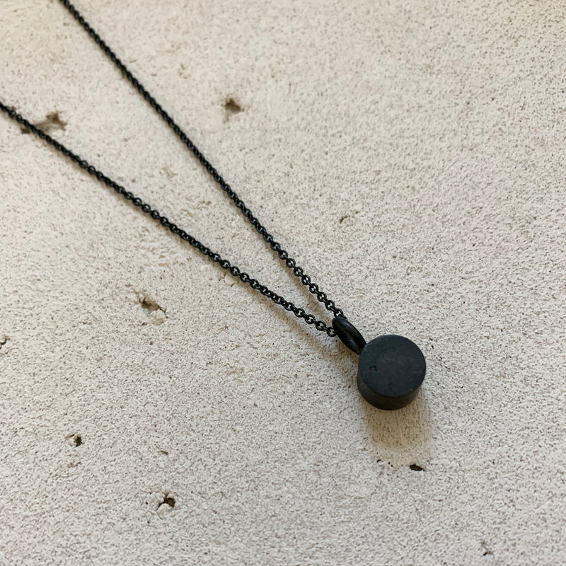 CYLINDER NECKLACE / שרשרת צילינדר